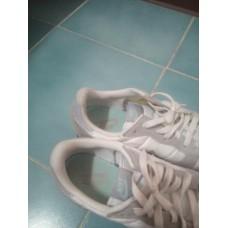 รองเท้า NIKE 40.5